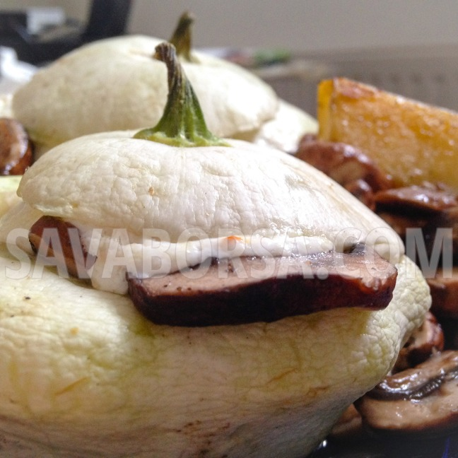 baconos-gombaval-toltott-csillagtok-chilis-sajtszosszal
