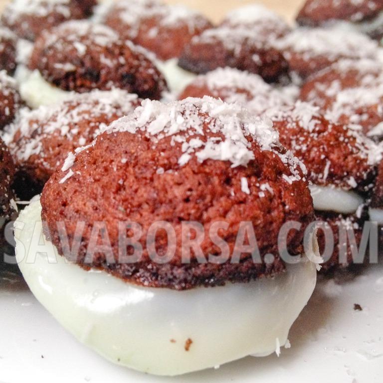 kokuszkremmel-toltott-kakaos-gyomberes-keksz-2