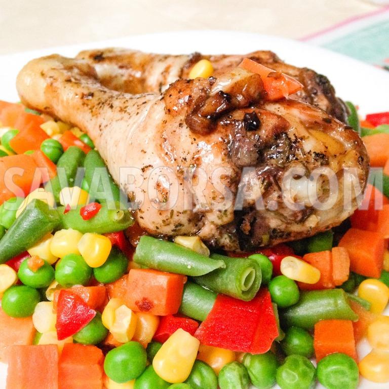 serpenyoben-sult-majorannas-csirkecomb-zoldsegekkel