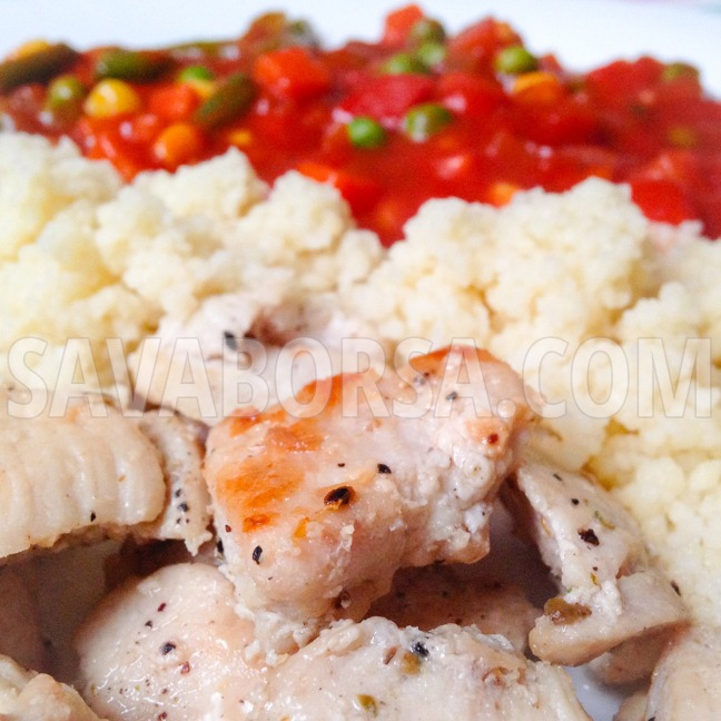 csirkemell-kuszkusszal-es-paradicsomos-zoldsegekkel