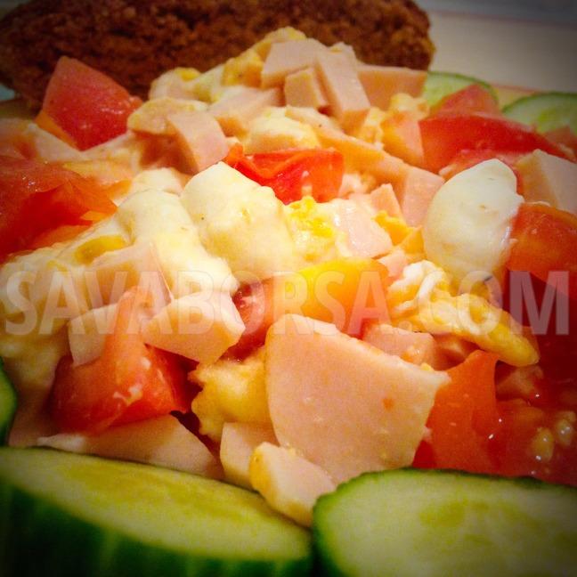 sonkas-mozzarellas-rantotta-sult-paradicsommal