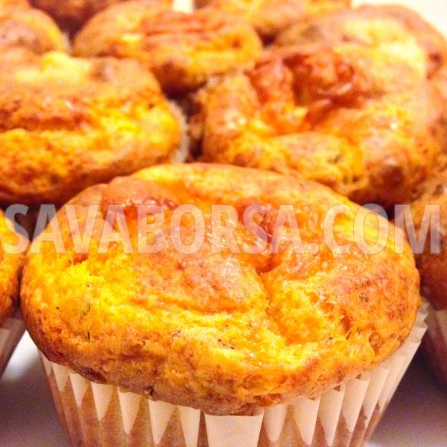 aszalt-paradicsomos-muffin-sajttal