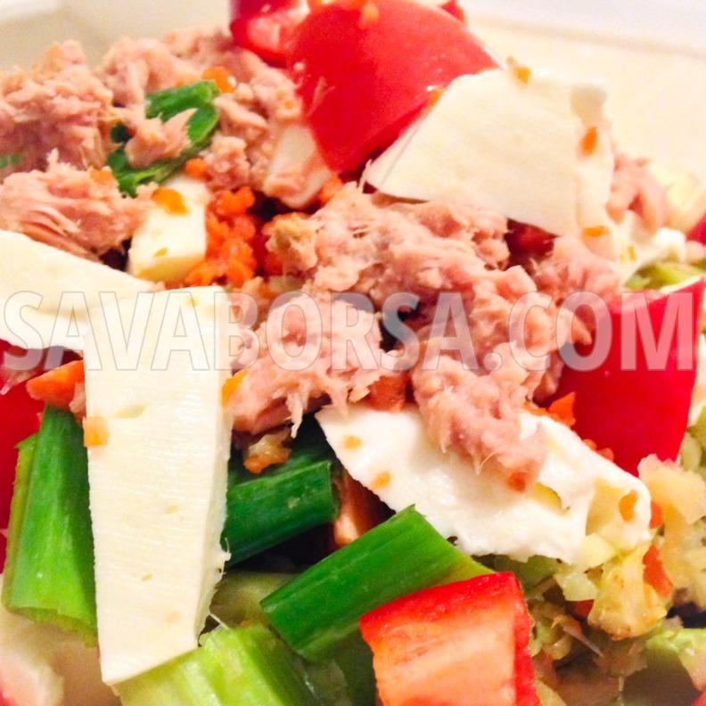 tonhalas-mozzarellas-salata
