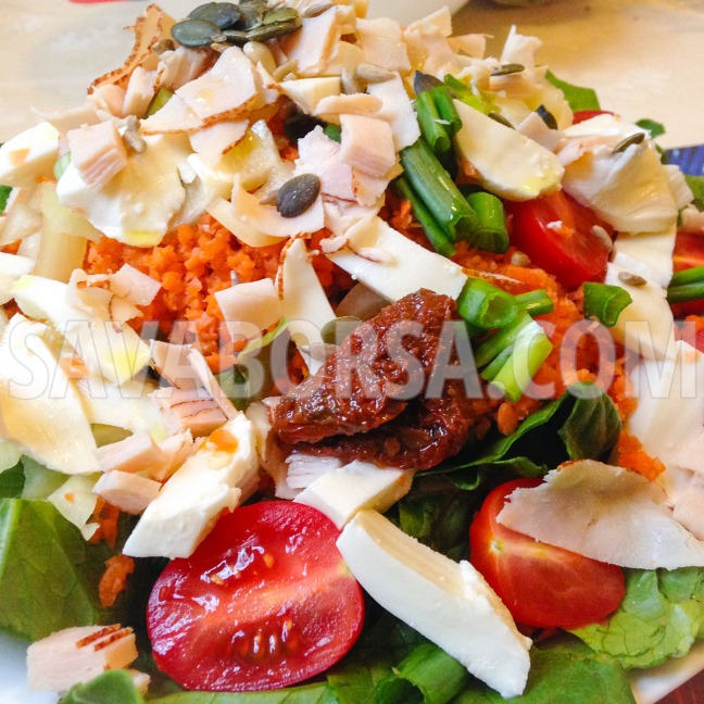 salata-borsos-csirkemellsonkaval-es-mozzarellaval