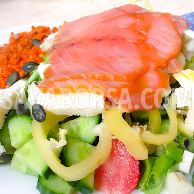 fustolt-lazac-mozzarellas-salataagyon