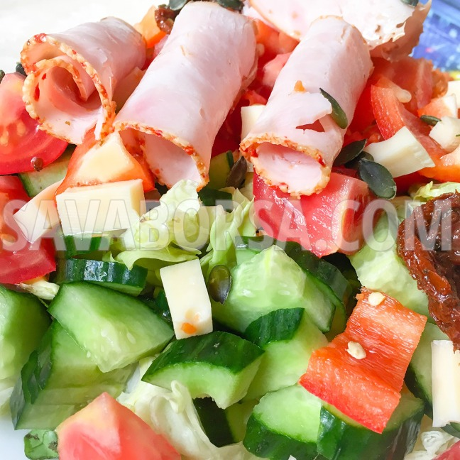 salata-szezammagos-paprikas-pulykasonkaval