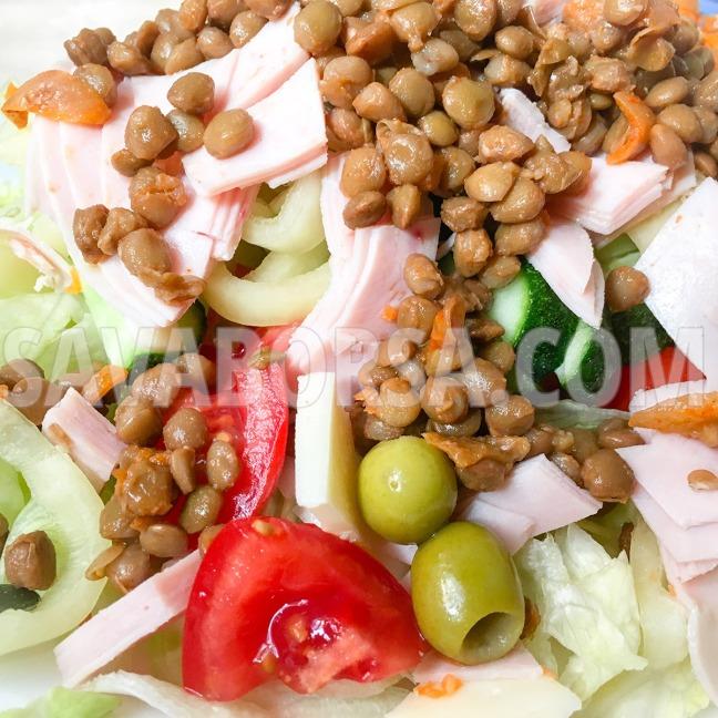 zoldsalata-hagymas-paprikas-lencsevel